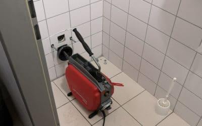 Panel fürdőszoba: nedves popsitörlő