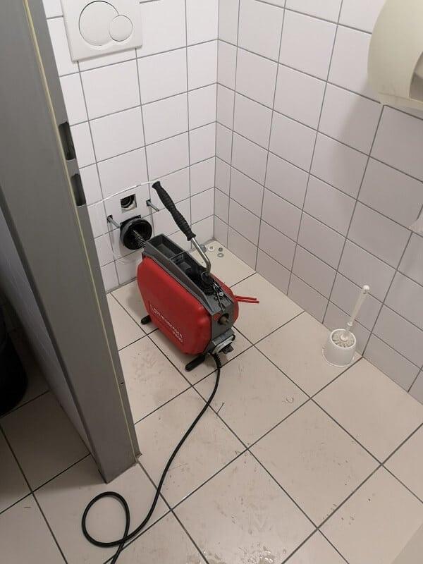 Popsitörlő- WC dugulása